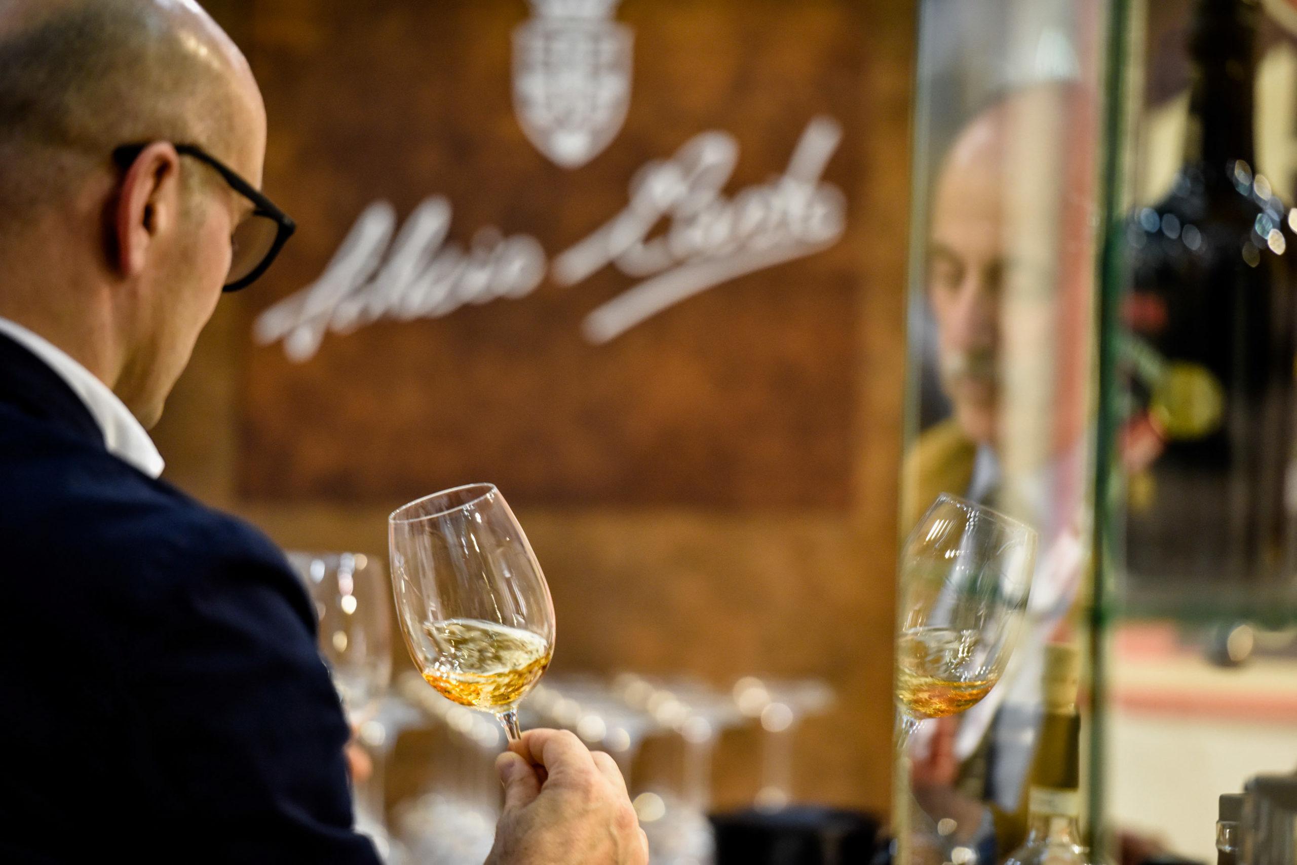 Degustazione vino Silvio Carta