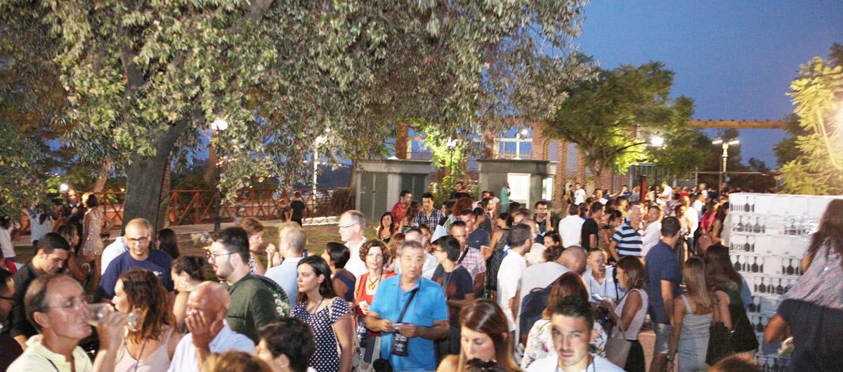 Folla di appassionati a Calici di Stelle Cagliari
