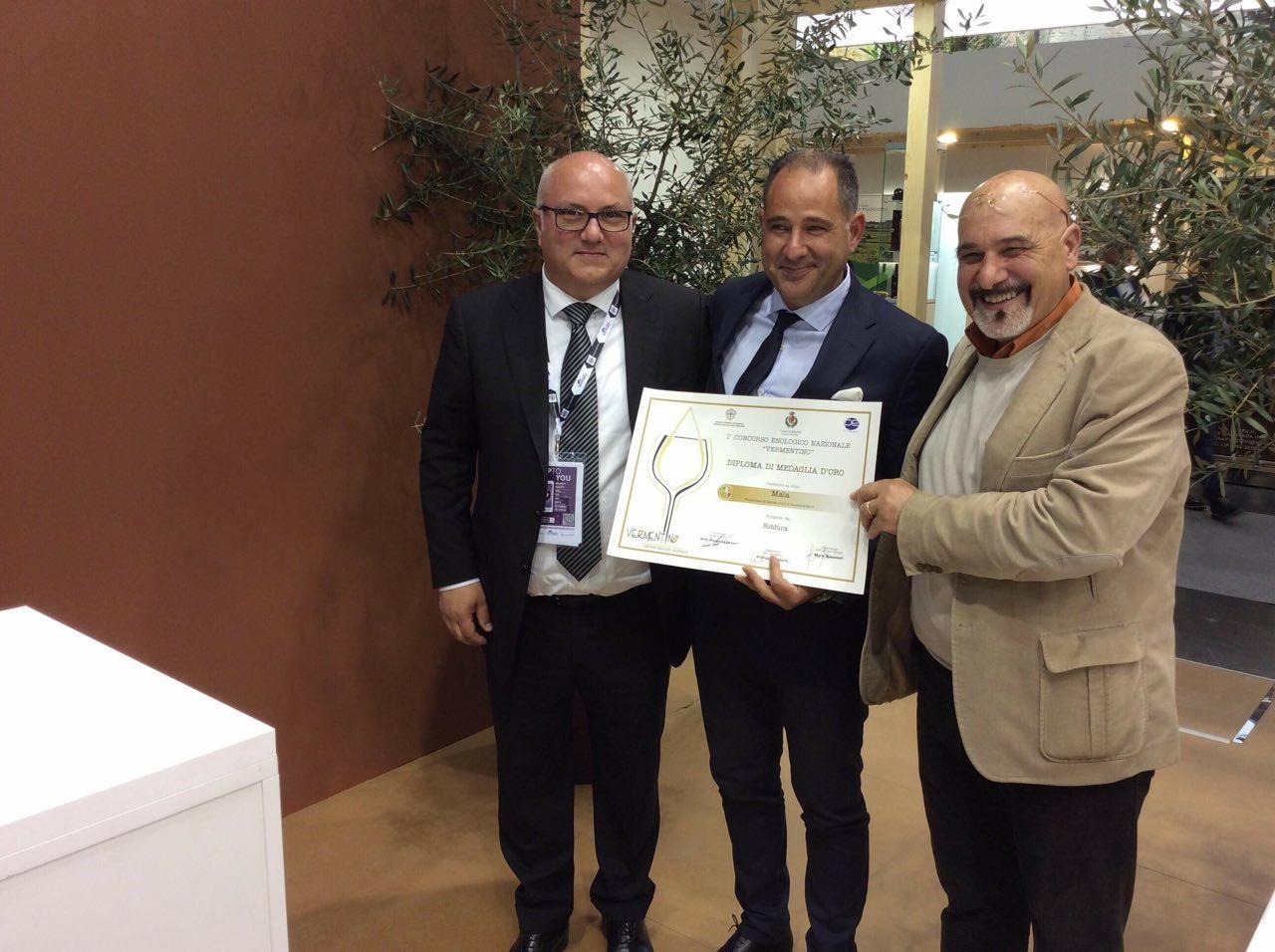 Massimo Ruggero di Siddura riceve il premio Vermentino a Vinitaly 2018