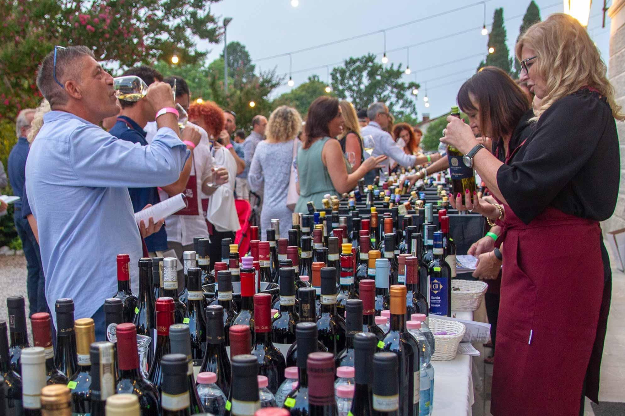 Banchetto degustazione vino Vini Buoni D'Italia