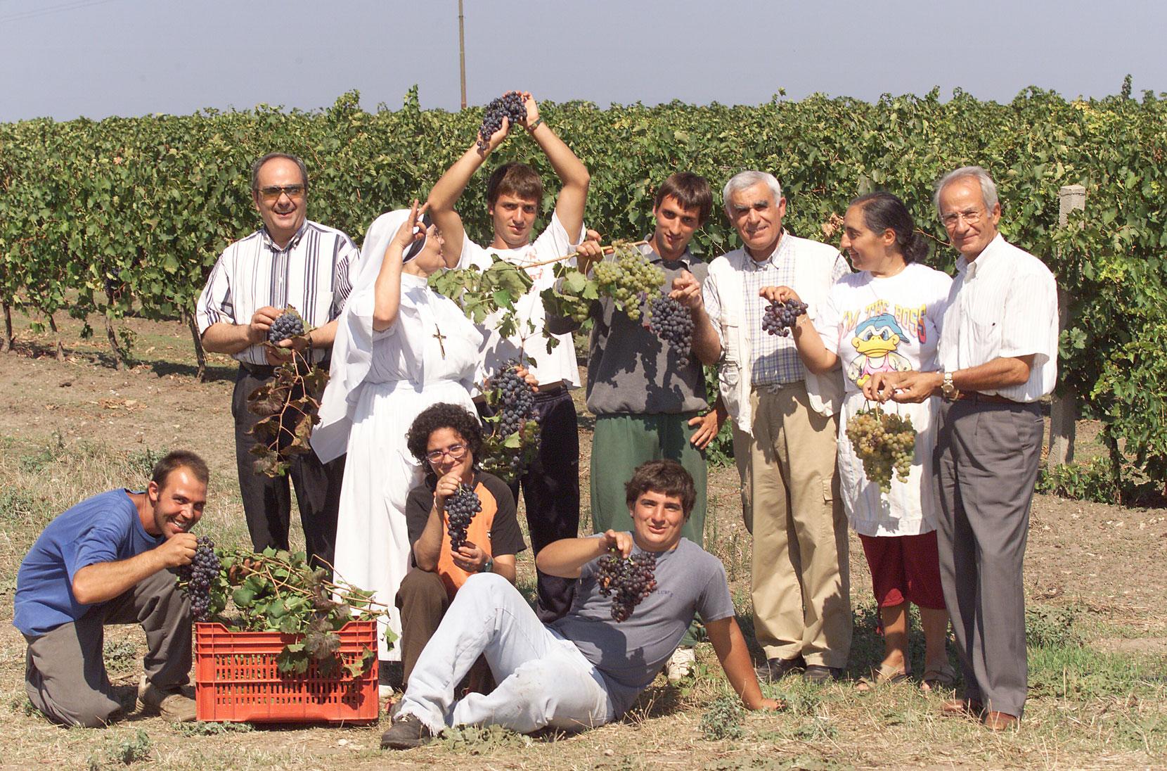 Ragazzi comunità vini Evaristiano