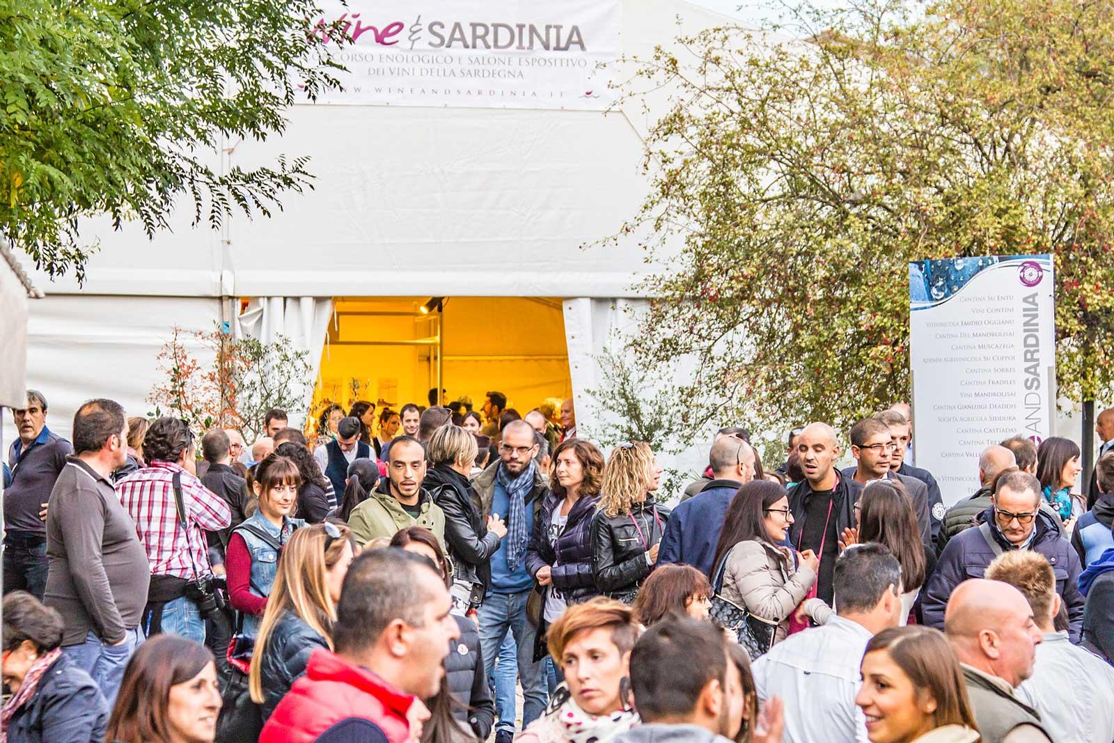 Folla di wine lovers al Wine And Sardinia 2018